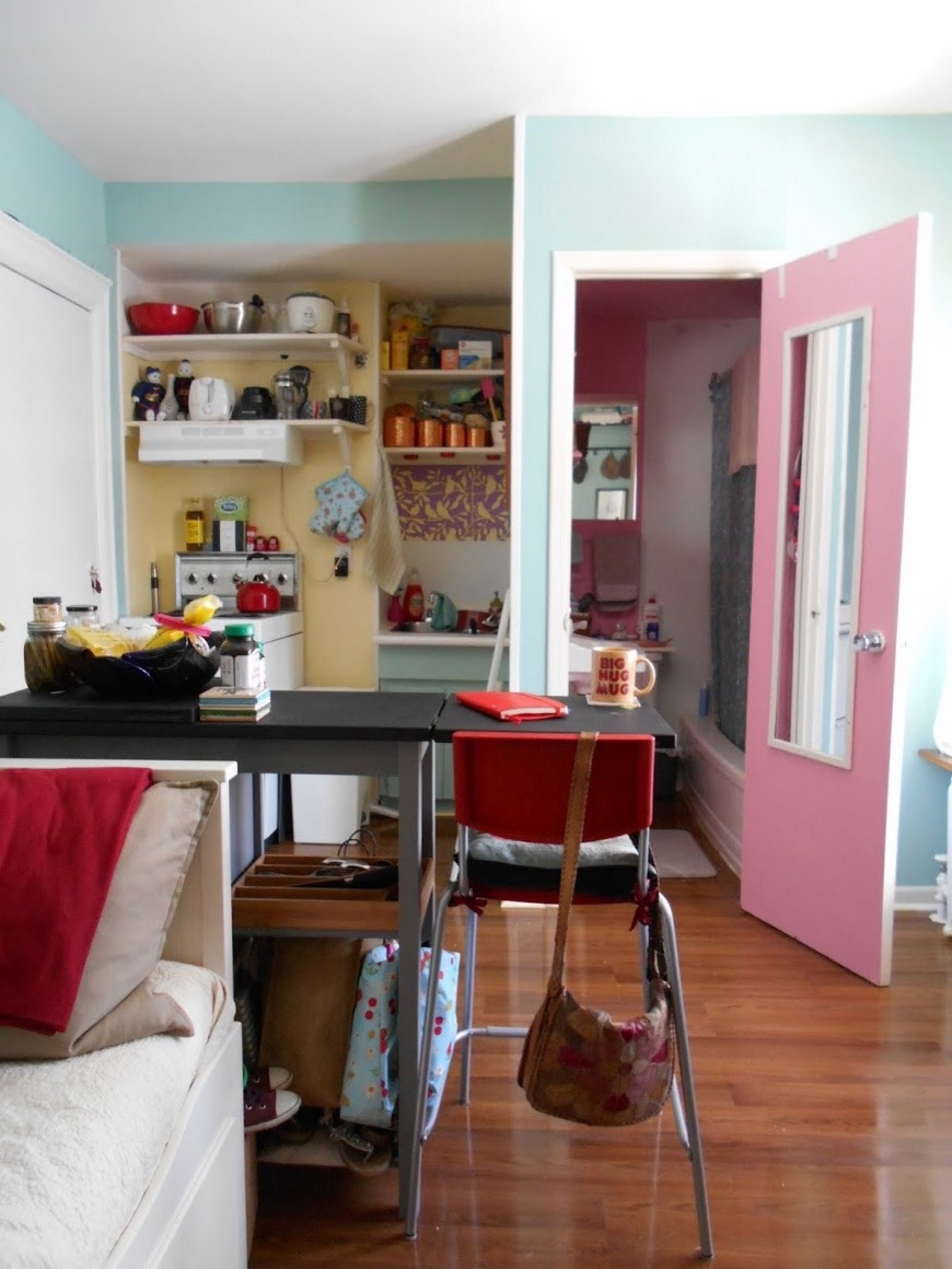 Womans 120 Sq Ft Tiny Apartment In Toronto