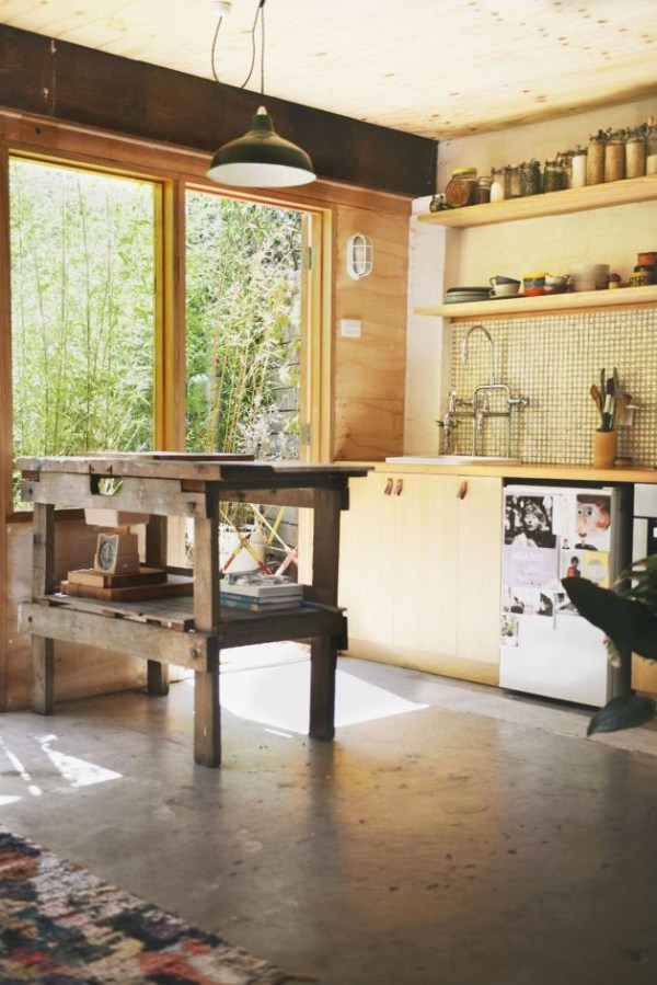 Women-Converts-Backyard-Garage-Studio-001