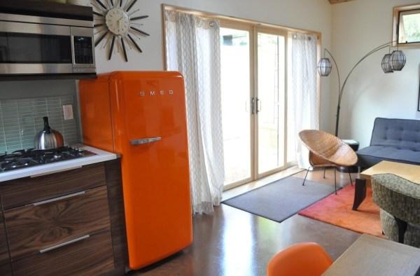 Women-Transformed-Garage-Simple-Yellow-Cottage-005