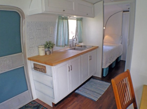 Wundertow Family Living and Traveling in 1977 Airstream 0010