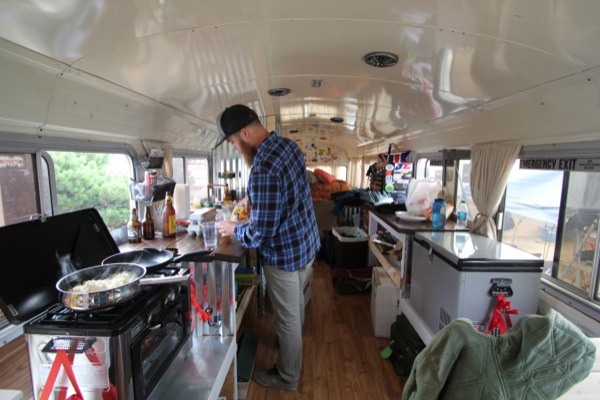 Young-Couple-Travel-US-in-Converted-1984-Blue-Bird-Bus-014