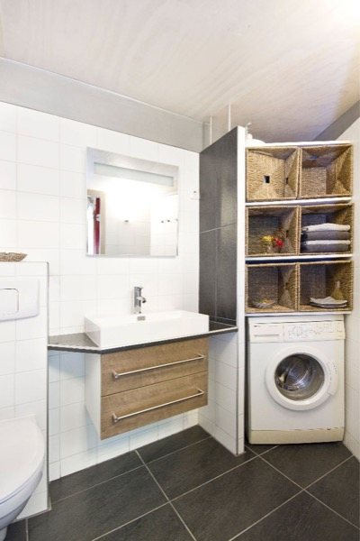 bathroom and laundry room combined