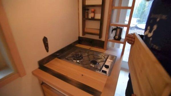acorn-3-tiny-house-on-wheels-nelson-005