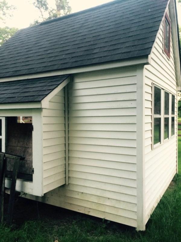exterior view of tiny home