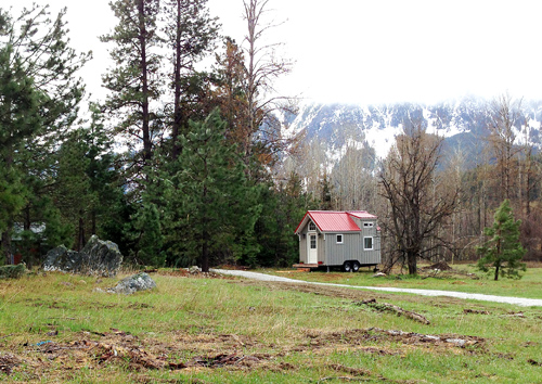 almost-glamping-tiny-house-013