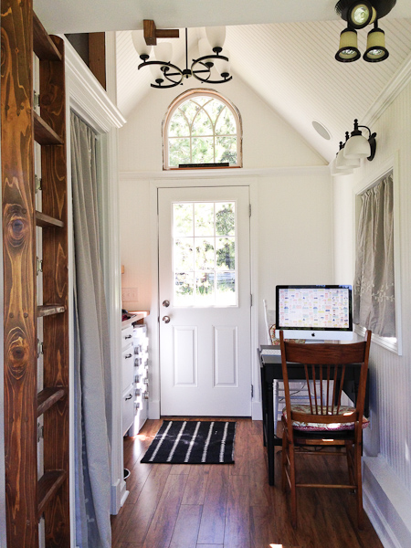 almost-glamping-tiny-house-06
