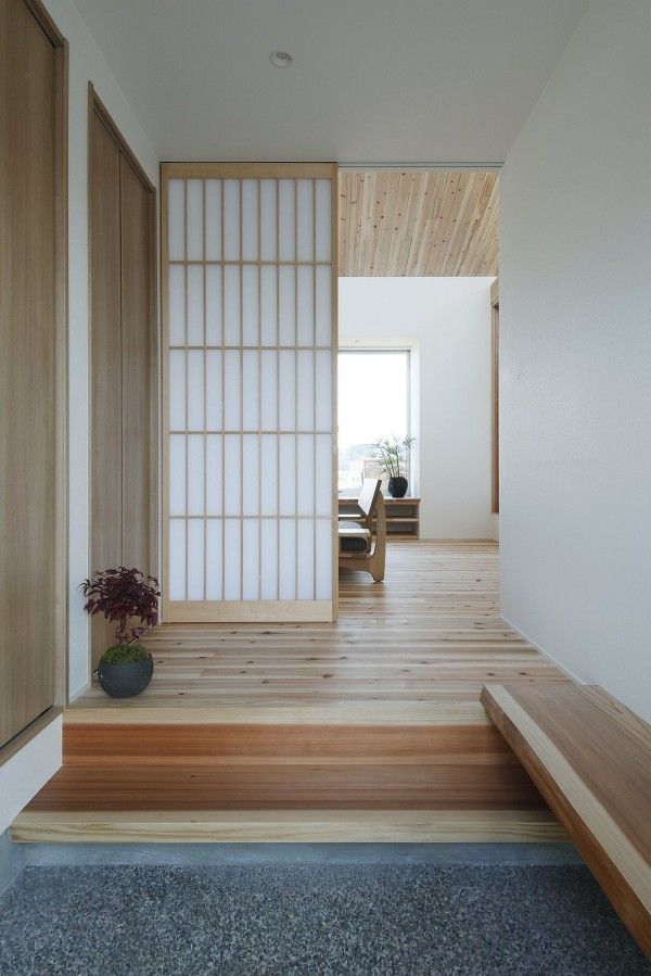 alts design office 768 sf japanese family small house 002 600x899   Minimalist 778 Sq. Ft. Japanese Family Small House