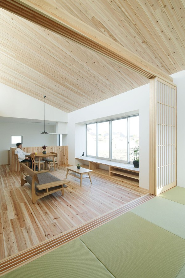 alts design office 768 sf japanese family small house 006 600x899   Minimalist 778 Sq. Ft. Japanese Family Small House
