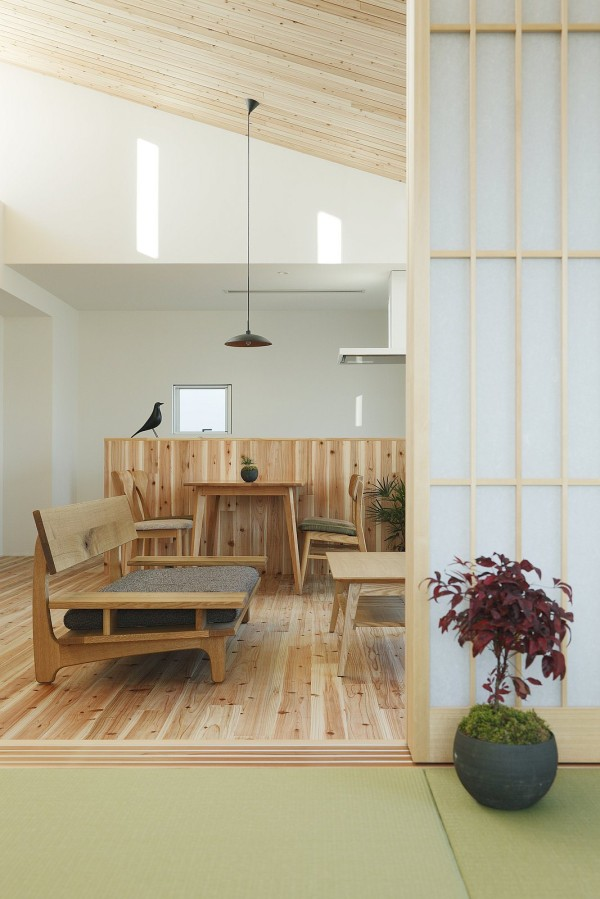 alts design office 768 sf japanese family small house 007 600x899   Minimalist 778 Sq. Ft. Japanese Family Small House
