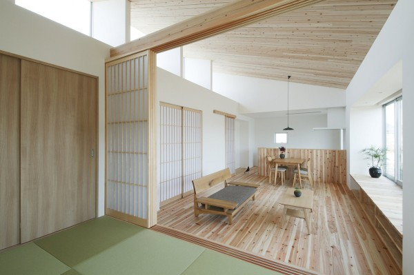 alts design office 768 sf japanese family small house 008 600x399   Minimalist 778 Sq. Ft. Japanese Family Small House