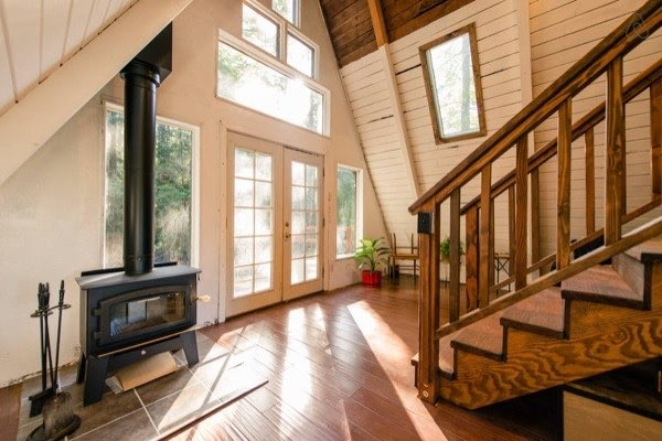 amazing-tiny-a-frame-cabin-in-the-redwoods-011