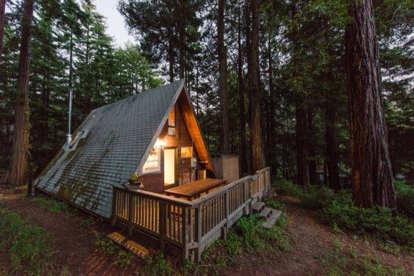 amazing-tiny-a-frame-cabin-in-the-redwoods-017