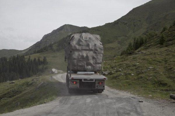 antoine-bureau-a-stone-shaped-tiny-cabin-005
