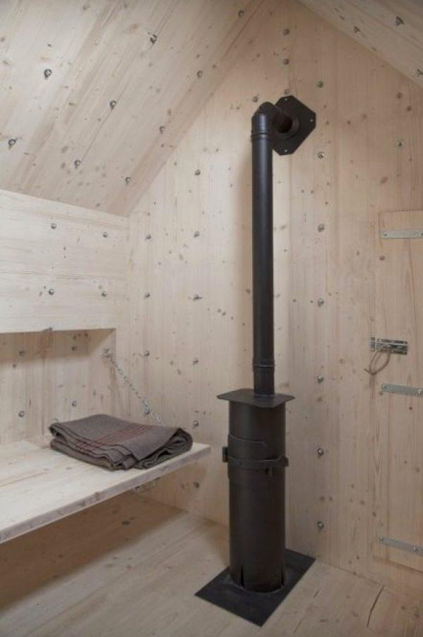 antoine-bureau-a-stone-shaped-tiny-cabin-007