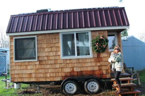 april-and-her-tiny-house