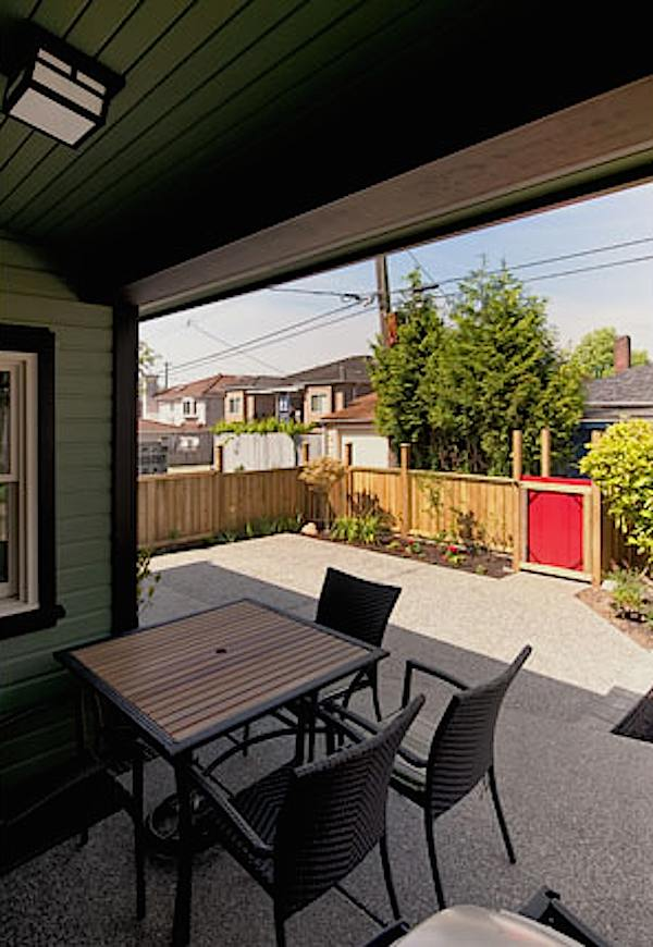 arts-and-crafts-750-laneway-small-house-by-