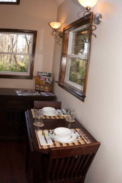 asheville-tiny-cabin-04