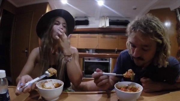 australian-couple-traveling-world-sailboat-010