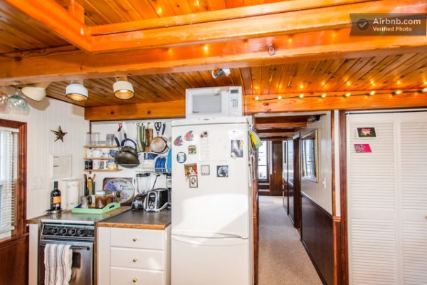 barge-tiny-house-airbnb-vacation-rental-07