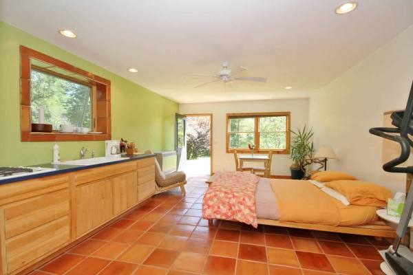 beautiful-zen-cabin-asheville-015