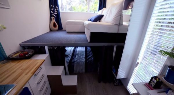 brenda-kellys-off-grid-shipping-container-tiny-house-0010