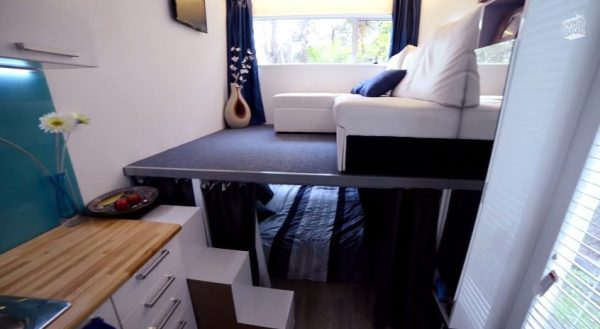 brenda-kellys-off-grid-shipping-container-tiny-house-0012