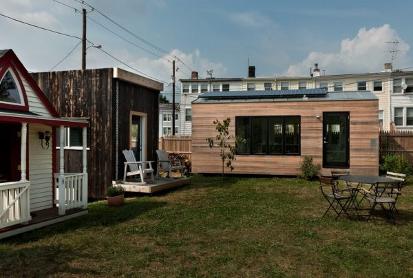 brian-levys-minim-homes-tiny-house-on-wheels-0016