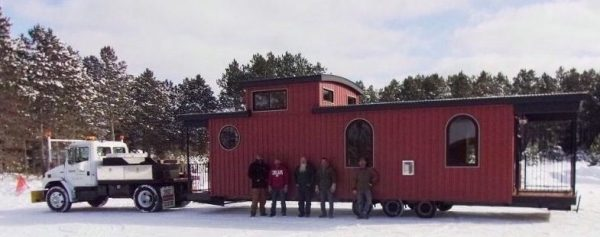 caboose-park-model-tiny-house-on-wheels-001