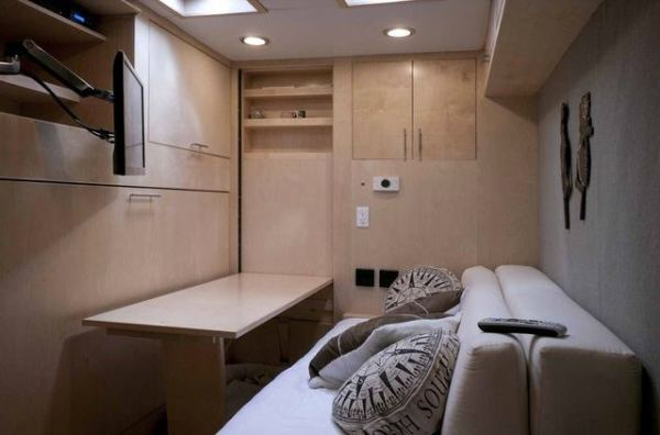 cargo-trailer-turned-to-transforming-stealth-tiny-house-004