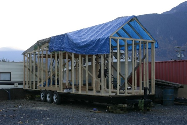 carnival-attraction-to-tiny-house-project-013