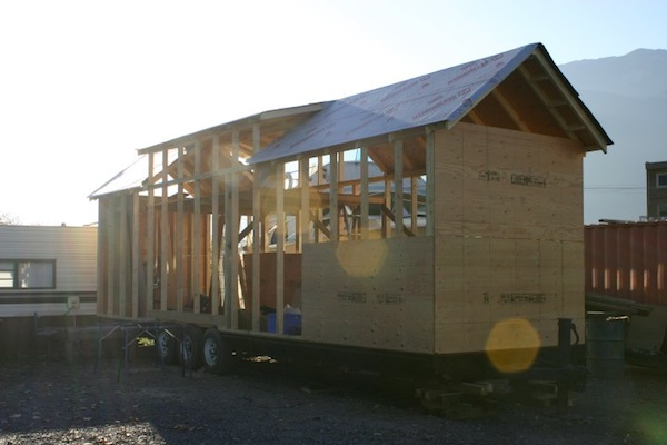 carnival-attraction-to-tiny-house-project-016