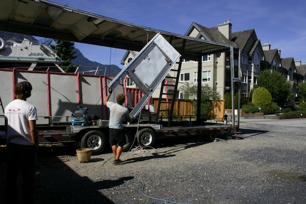 carnival-attraction-to-tiny-house-project-03