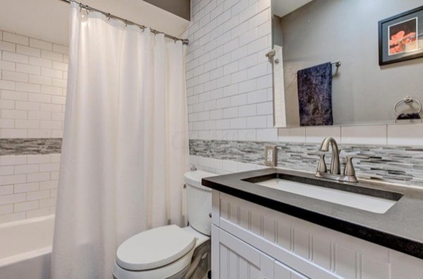 columbus-ohio-cottage-for-sale-with-garage-and-finished-basement-0014