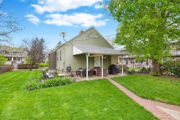 columbus-ohio-cottage-for-sale-with-garage-and-finished-basement-0024