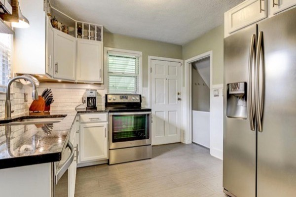 columbus-ohio-cottage-for-sale-with-garage-and-finished-basement-008