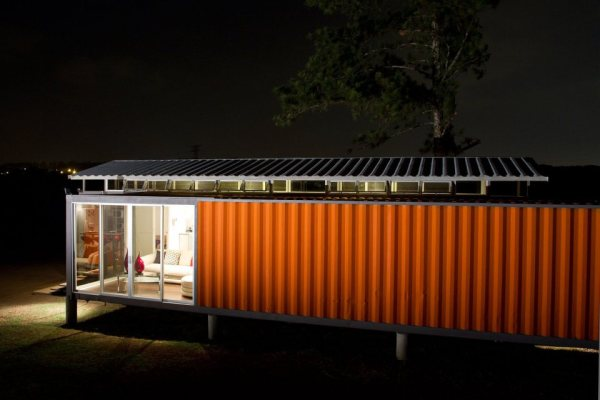 containers-of-hope-tiny-houses-02