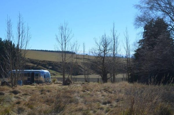couple-tiny-living-in-an-airstream-tiny-home-0001