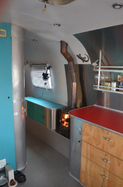 couple-tiny-living-in-an-airstream-tiny-home-0006