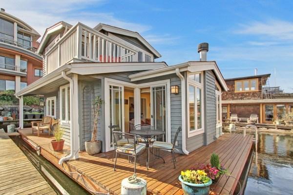 craftsman-style-portage-bay-float-house-exterior4-via-smallhousebliss