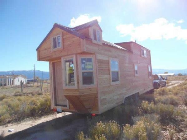 custom-28feet-tiny-house-on-wheels-015