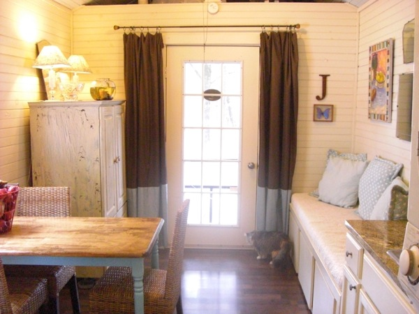 debras-tiny-house-on-wheels-for-sale-01
