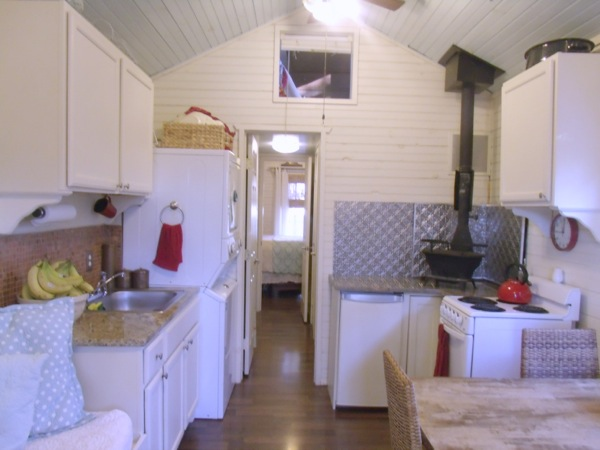 debras-tiny-house-on-wheels-for-sale-04