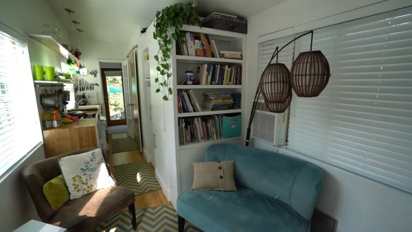 family-of-5-living-in-tiny-house-on-wheels-008