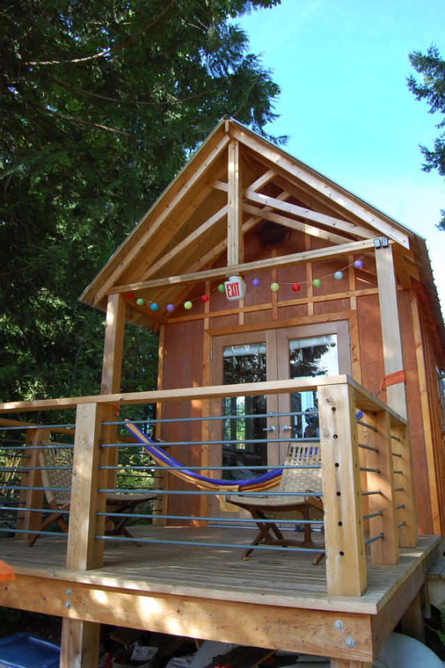 Young Family Build 7k Tiny Cabin In 2 Weeks