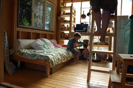 familys-7k-tiny-cabin-12