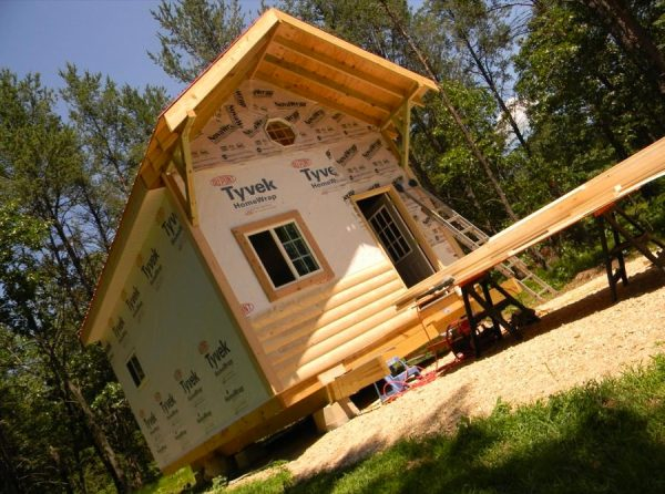 father-son-392-sq-ft-tiny-cabin-for-sale-0016