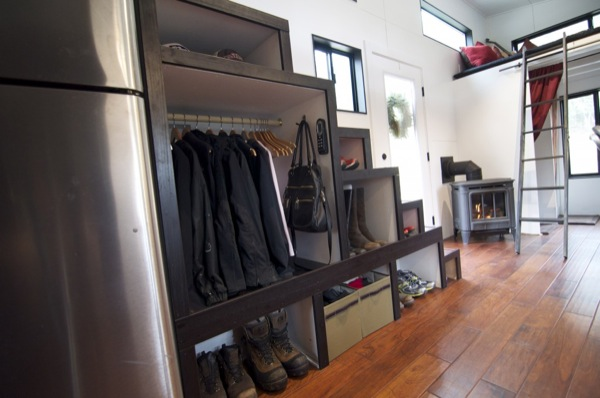 gabriella-and-andrew-modern-tiny-house-build-0015