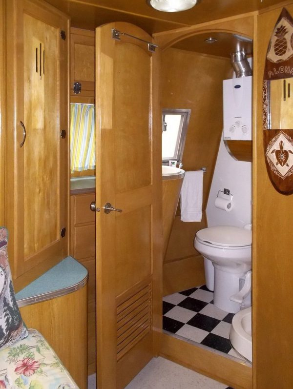 garys-travel-trailer-to-diy-tiny-house-rehab-004