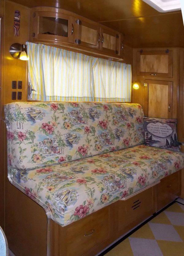 garys-travel-trailer-to-diy-tiny-house-rehab-005