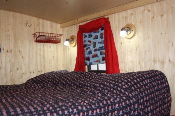 glenn-wallin-sr-diy-caboose-micro-camper-005
